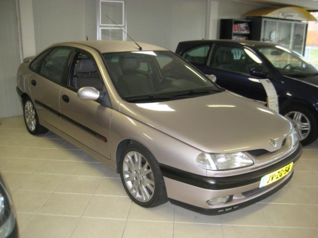 Renault-Laguna