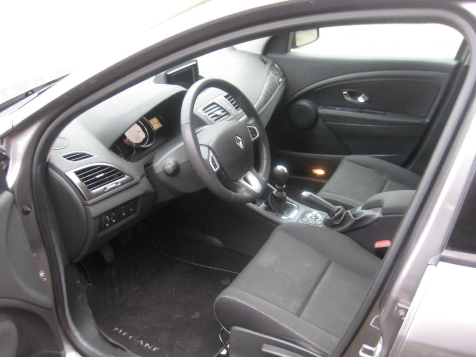 Renault-Megane-6